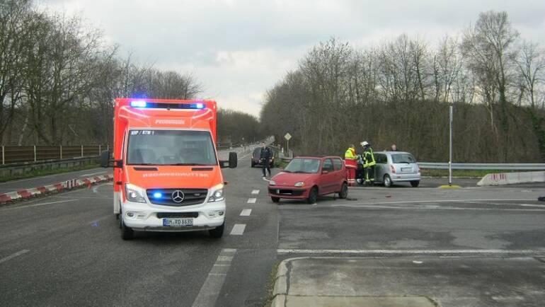 03.03.2016 – Mehrere Verkehrsunfälle in kurzer Zeit – eine Person schwer verletzt