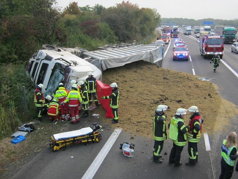 07.10.2016 – Schwerer LKW-Unfall auf der BAB 4