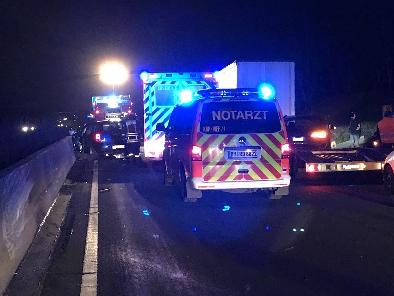 03.01.2017 – Verkehrsunfall auf der BAB 61