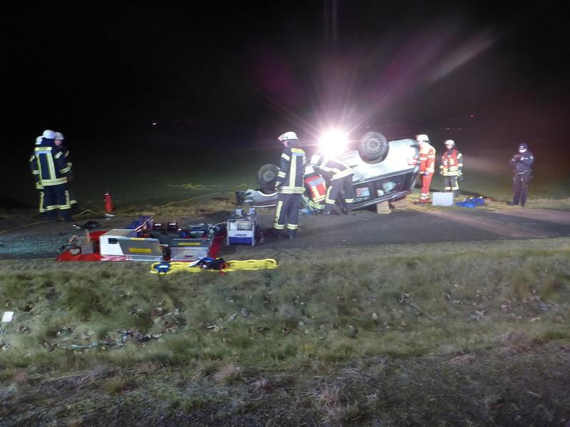 05.01.2017 – Verkehrsunfall mit einer eingeklemmten Person in Blatzheim