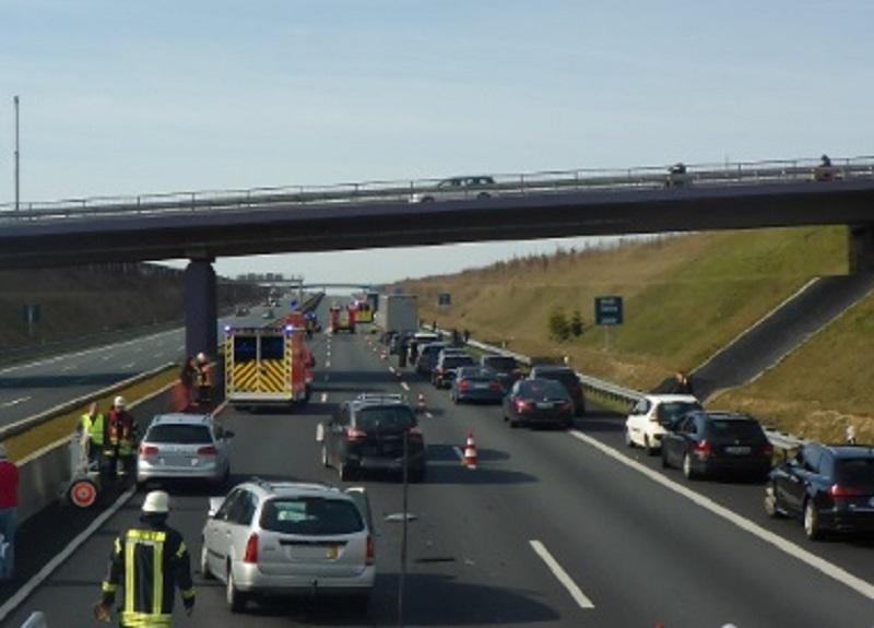 11.03.2017 – Verkehrsunfall auf der Autobahn 4