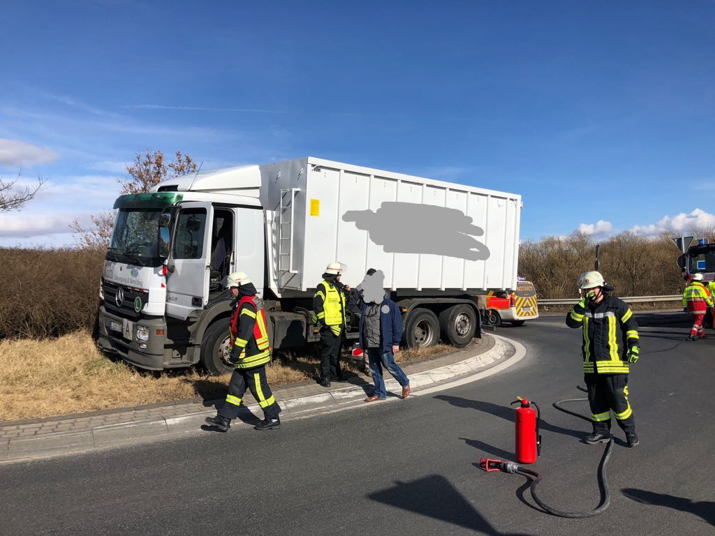 05.03.2018 – Verkehrsunfall mit LKW in Blatzheim