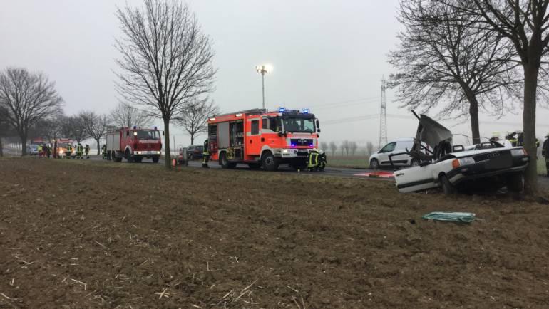 21.03.2018 – Schwerer Verkehrsunfall fordert ein Todesopfer