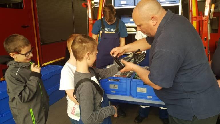21.04.2018 – Gerätewagen Messtechnik zu Besuch bei der Jugendfeuerwehr