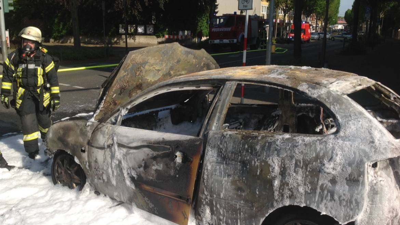 21.05.2018 – PKW in Horrem vollständig ausgebrannt
