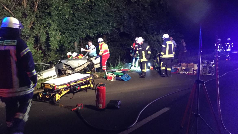 13.06.2018 – PKW Fahrerin bei Verkehrsunfall schwer verletzt