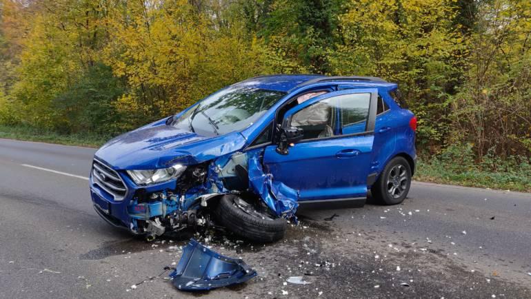05.11.2018 – Verkehrsunfall zwischen PKW und LKW