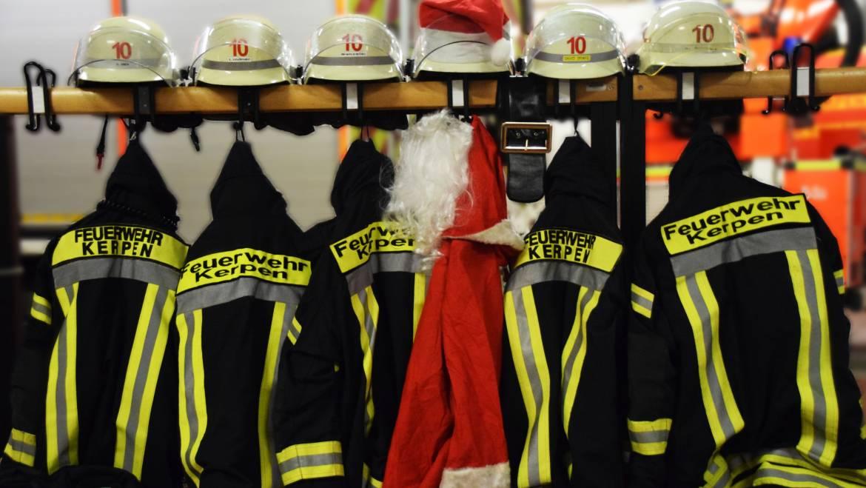 24.12.2019 – Die Feuerwehr Kerpen wünscht fröhliche Weihnachten
