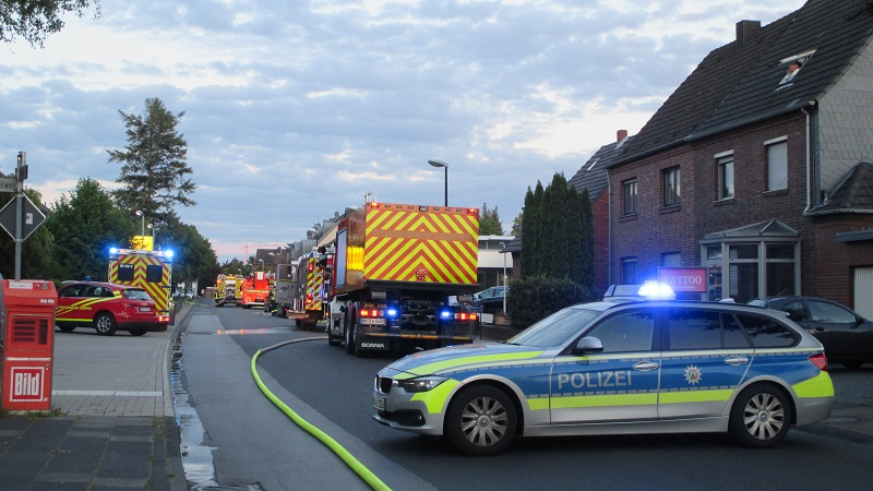 16.05.2019 – Gebäudebrand in einem Autohaus in Kerpen-Brüggen
