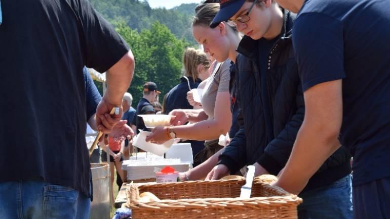 22.06.2019 – Workshops beim Zeltlager der Jugendfeuerwehr waren ein voller Erfolg