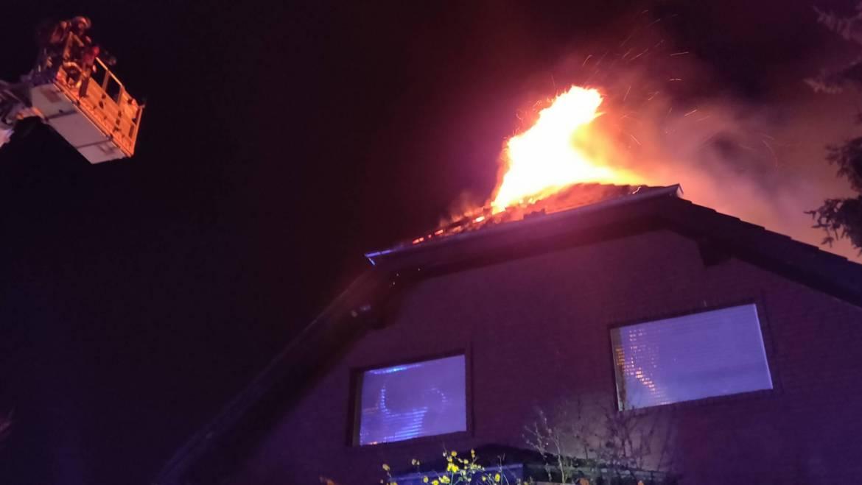 24.03.2020 – Dachstuhlbrand in Kerpen in der vergangenen Nacht