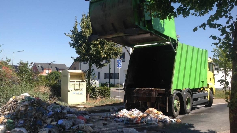 05.08.2020 – Ladung eines Müllwagens in Brand geraten