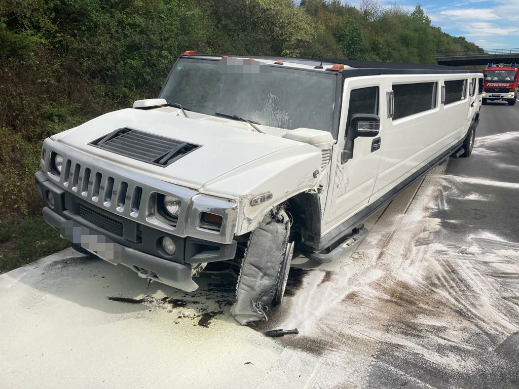 20.08.2020 – Verkehrsunfall zwischen Kleintransporter und Stretch-Limousine