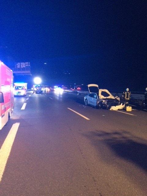 18.10.2020 – Verkehrsunfall auf der Autobahn 4 mit fünf Verletzten – zwei davon schwer