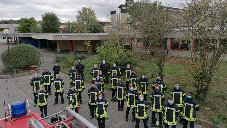 15.10.2020 – 25 neue Feuerwehrfrauen und Feuerwehrmänner bei der Freiwilligen Feuerwehr